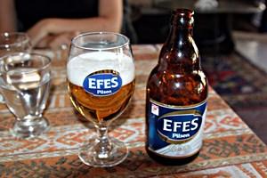 Bier trinken in Istanbul