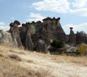 Tuffsteinkegel hinter Cavuşin