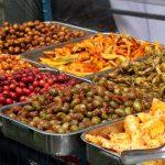 Oliven, Kartoffeln, Antipasti