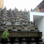 Buddha Figuren im Tempel