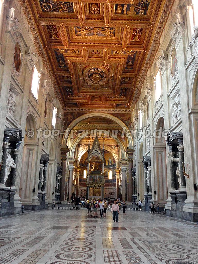 Erzbasilika San Giovanni in Laterano von Innen