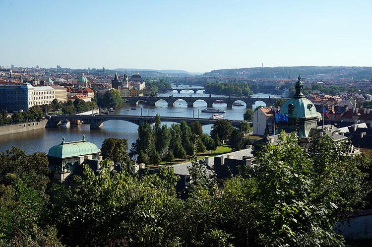 Prag - Blick auf die Brücken